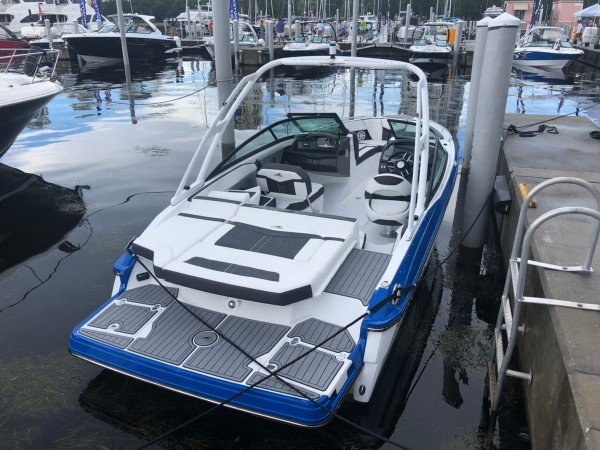 Goga-Yachting-Club-Monterey-06