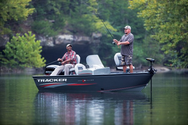TRACKER Deep V Boats Pro Guide V 16 SC (27)