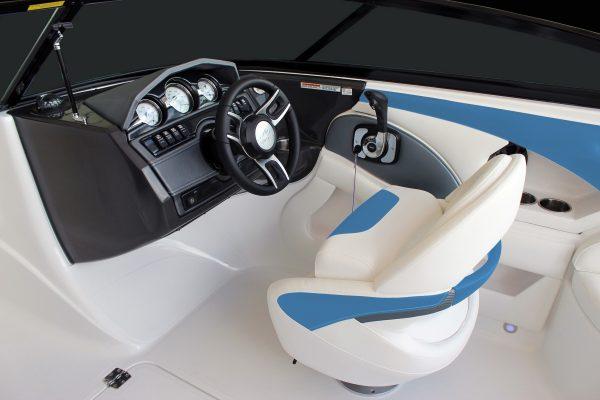 Monterey 224FS Helm-Helm-Seat-3340