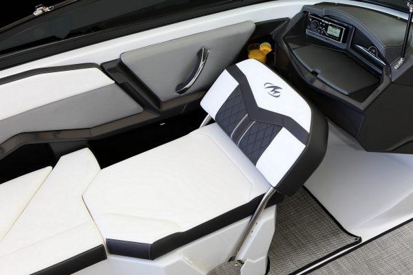 Monterey 238SS Flip-Seat-3356