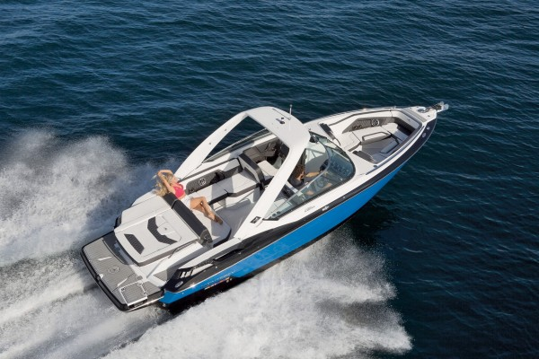 Monterey 298SS Running-3-3401