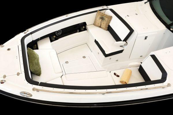 Monterey 385SE Bow