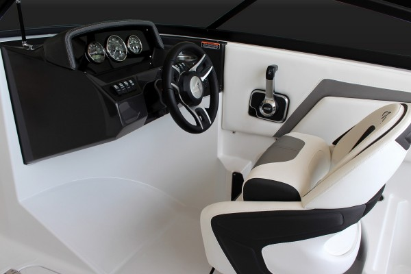Monterey M-22 Helm Seat