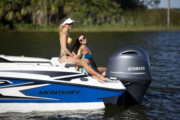 Monterey M-225 LIfestyle-3812