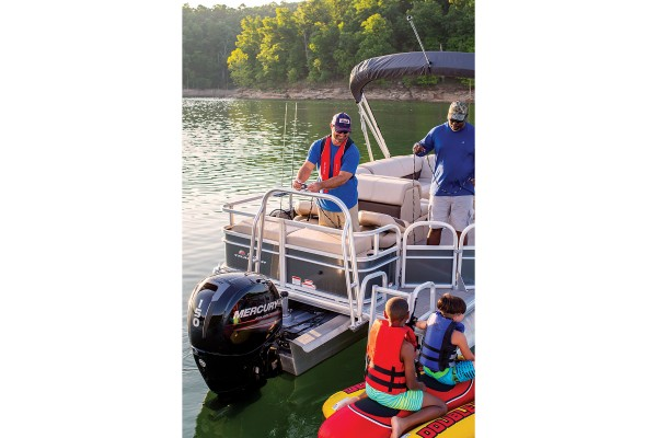 Sun Tracker Fishin Barge 22 XP3 2019 04