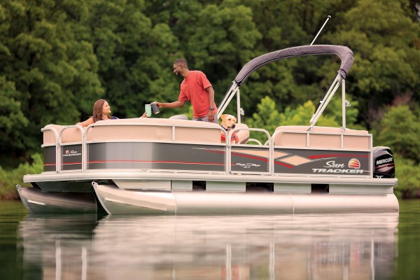 Sun Tracker Party Barge 18 DLX 2019 08