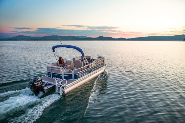 Sun Tracker Party Barge 20 DLX 2019 06