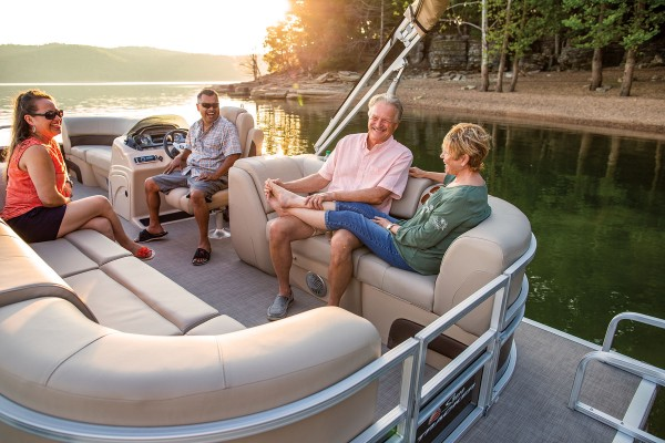 Sun Tracker Party Barge 22 DLX 2019 02