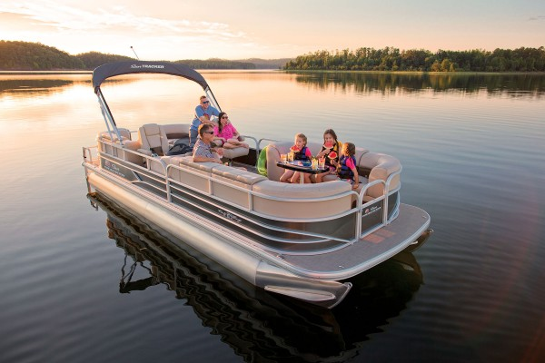 Sun Tracker Party Barge 24 DLX 2019 10