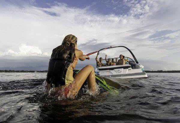 Regal 2019 19 Surf Lifestyle 2