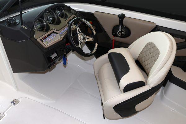 Monterey 215SS Helm---Seat-48778