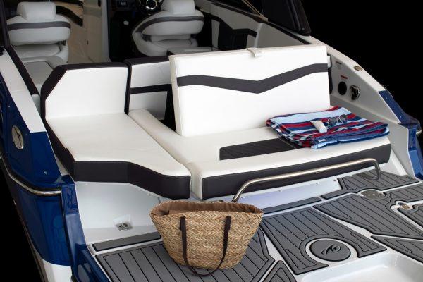 Monterey 275SS aft flip seat