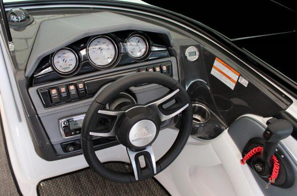 Monterey 224FS Helm