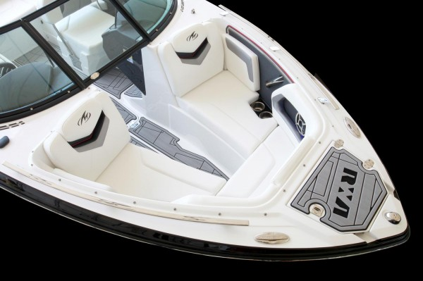 Monterey 238SS-SE Bow