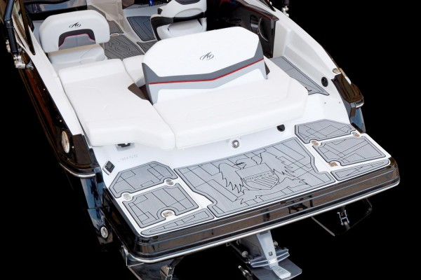 Monterey 238SS-SE Swim Platform