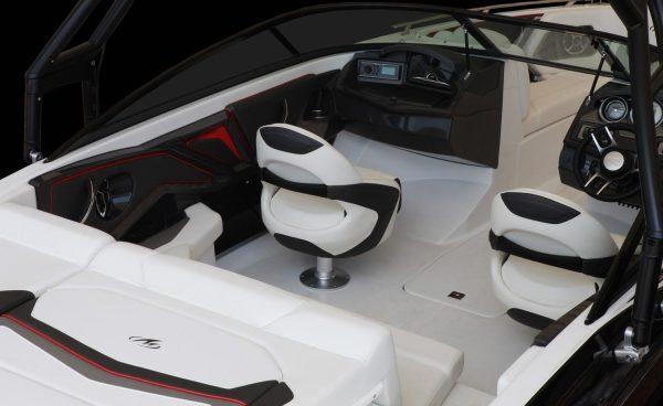 Monterey 238SS-SE Cockpit