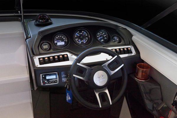 Monterey 278SSC Helm