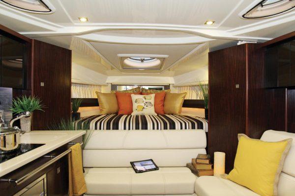 Monterey 335SY Main Cabin