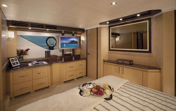 Marquis 720 Tri-Deck Stateroom