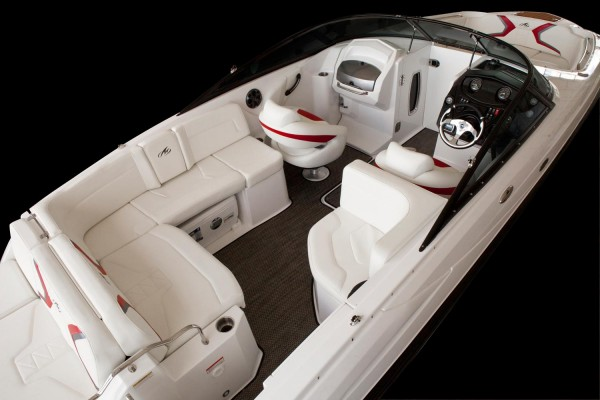 Monterey M6 Cockpit