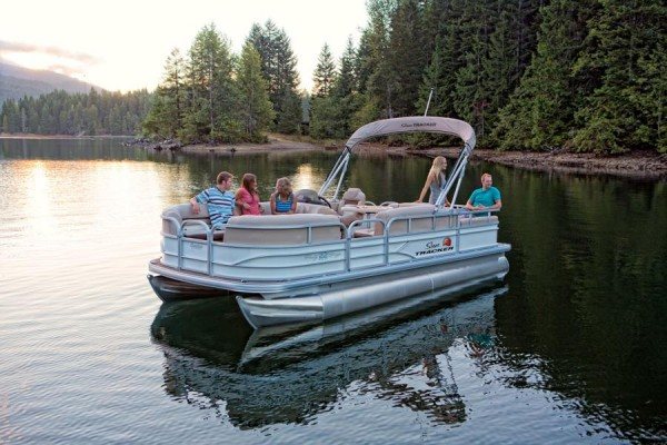 Sun Tracker Party Barge 22 DLX 3