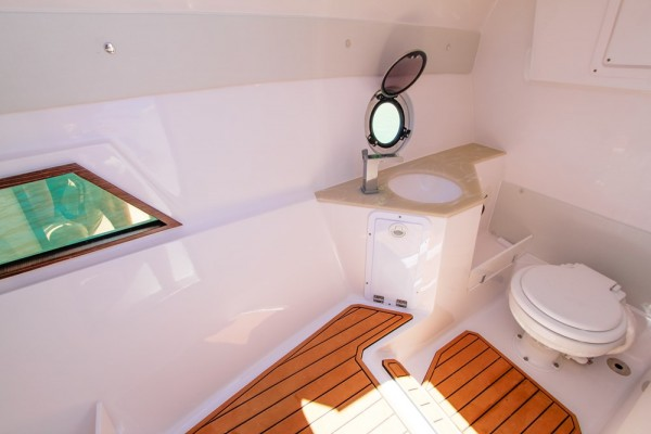 FS Yachts 275 Wide Interior